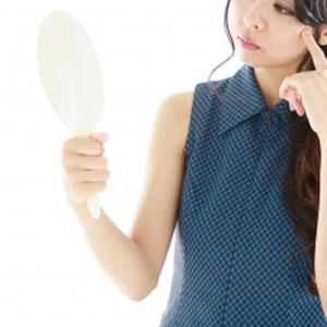 美容整形でコンプレックスを解消できたという人もいれば「美容整形依存症」を抱える人も増えている